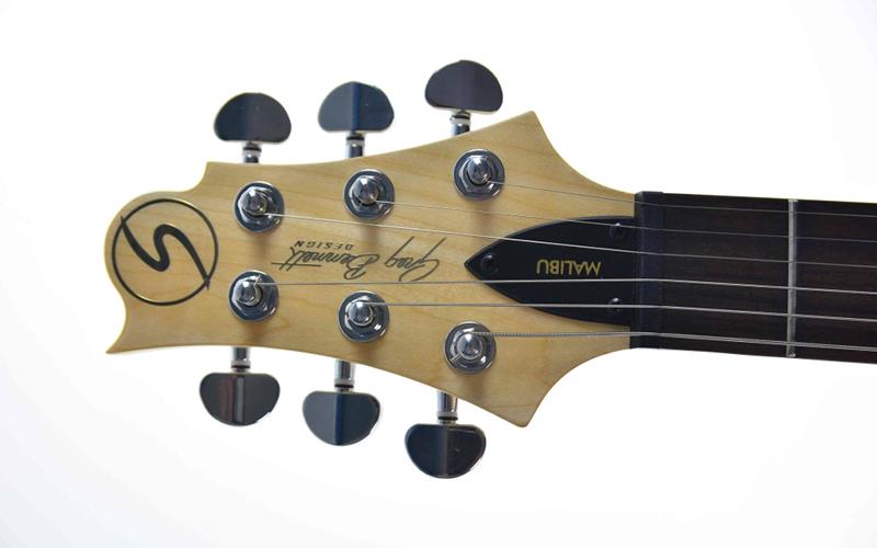 Ciekawostki o główkach gitar Samick Greg Bennett